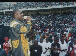 DIOMI DONGALA Meeting_dc_stade_des_martyrs_facer_50000_personnes11