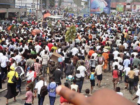 TSUNAMI POPULAIRE AU MEETING DE NDJILI SAINT THERESE - LES PREMIERES IMAGES 10584057_10203765939736580_9154593877615170989_n