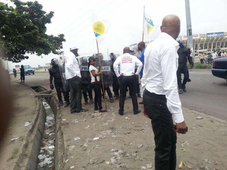 METTING POLICE FAYULU